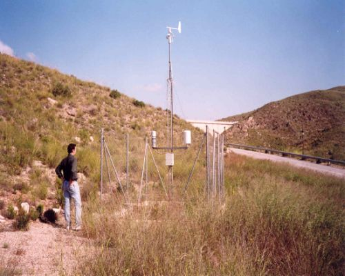 Auscultation. Weather station located next to the dam access.