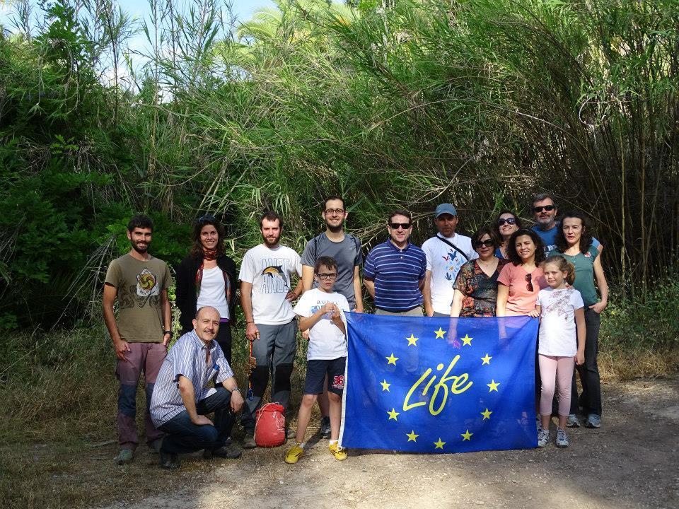 Ver la imagen en tamaño real. Los voluntarios del LIFE+SEGURARIVERLINK participan en el seguimiento de aves